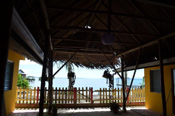 Gran Kahuna Beach Hostel - Bocas del Toro - Outro