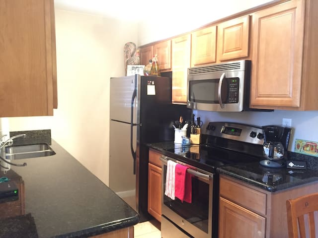 SCOTTSDALE 1/1 CONDO!!! (Near Old Town) - Scottsdale - Lejlighed