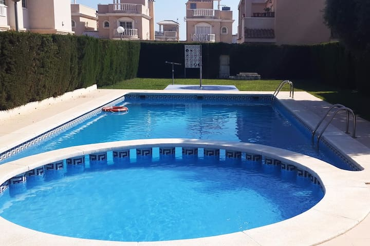 Apartments in a quiet location with pool