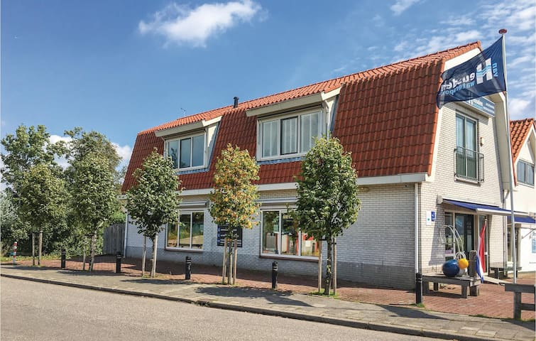 Holiday apartment with 3 bedrooms on 80 m² in Breukelen