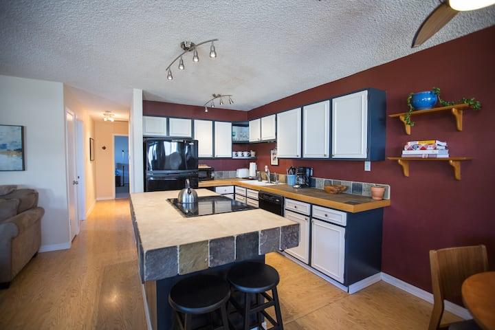 2 Bedroom Vacation Rental-Central Boulder