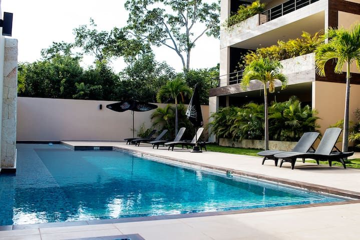 CASA UH MAY | NEW Luxury Apt Great Private Terrace