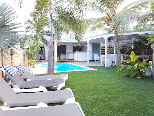 private pool, 4 bedrooms, 6 adults, near the sea - Collectivity of Saint Martin - Hus