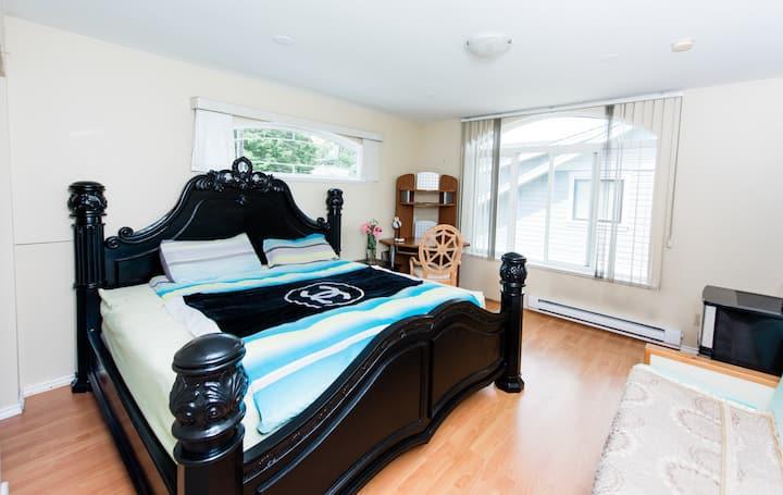 Metrotown -Downtown huge master bedroom with views