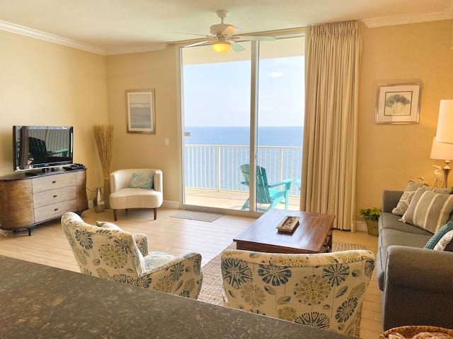 Relax in a spacious and private living area with the endless beauty of the gulf right outside