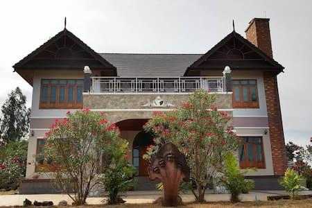 ฺBamboo Hill Chalet