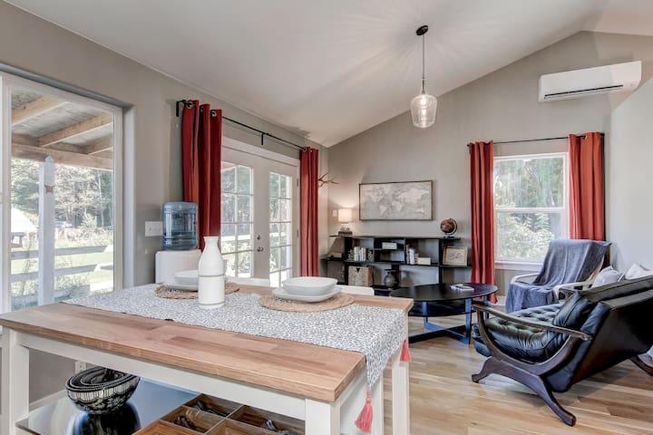 Hawthorne Cottage-Quiet Retreat In Great Location
