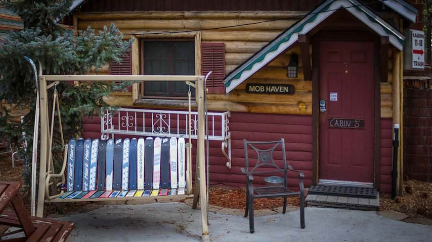 -5, No Fees, Cabins 4 Less sleeps 2 to 4