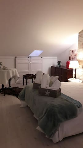 Lucus bed Ático- Studio