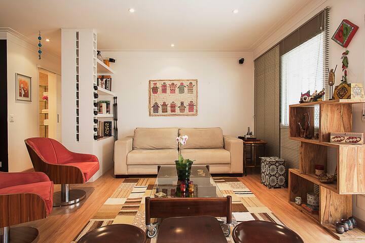 Apartamento charmoso no Itaim Bibi (95m2)