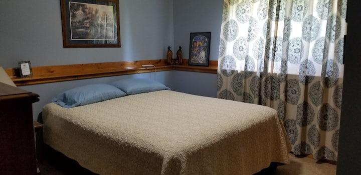 Quiet Room w/ Sleep Number Bed in Cozy, Rural Home