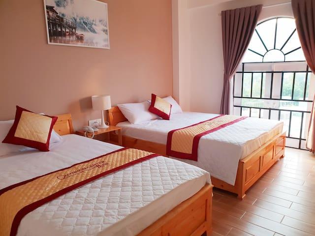 Quy Nhon Center hotel - 1 queen, 1 single bed
