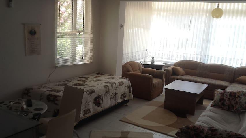 BAHÇELİ HAVUZ VE MUHTEŞEM DENİZ - Çeşmeli - Apartamento
