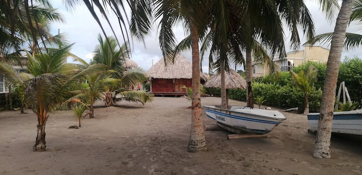 Cabaña ecologica playa  cocoteros cocina campesina