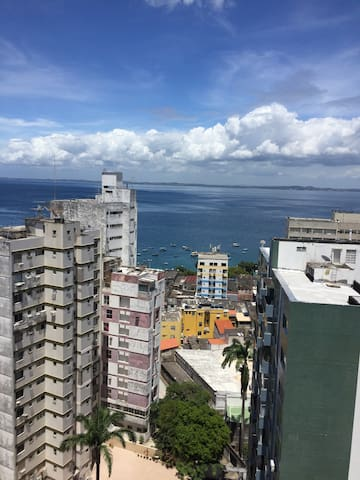 Quarto vista mar na Barra !!! - Salvador - Apartamento