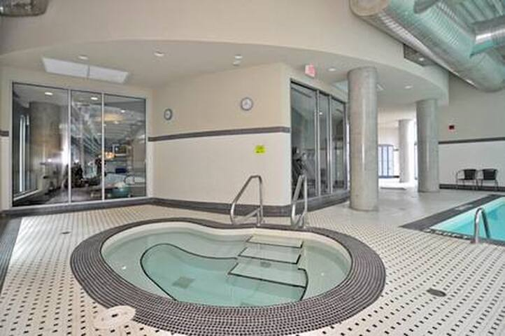 Den in Shared Downtown Condo: Pool, Gym & Hot Tub!