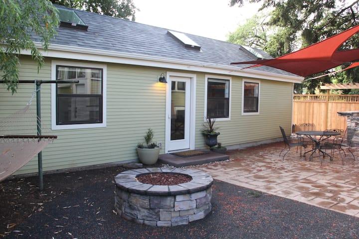 Alberta Guest House