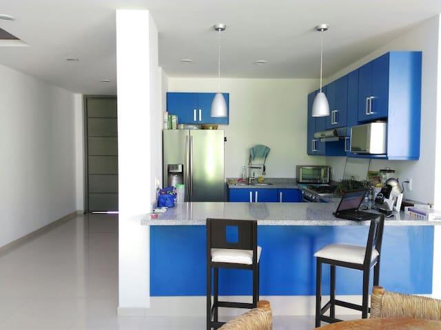 La Rioja habitación Moderna al sur. - Los Gavilanes - Casa