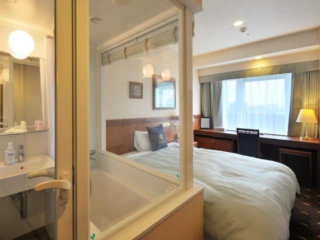 20mins-->JR Kyoto Sta./Double Room/Smoking