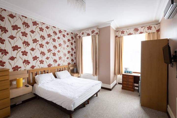 Comfortable and cosy room in Twin P