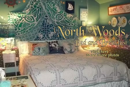 North Woods Bed and Breakfast Mermaid Room - Hot Springs