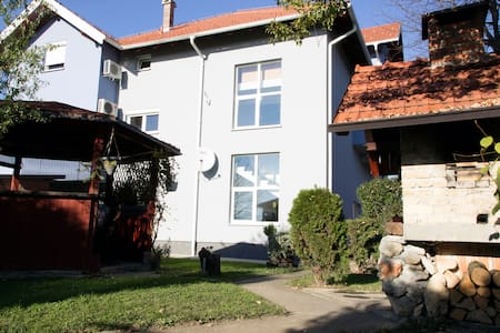 Double room (1p) - Velika Gorica - Bed & Breakfast