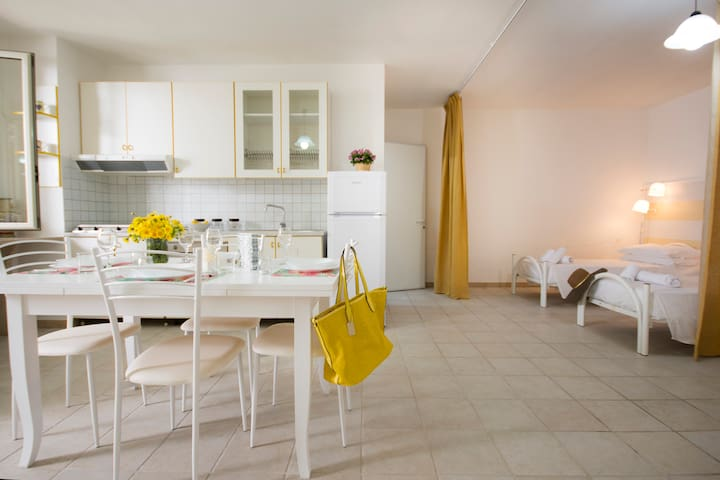 Comfortable apartment a stone's throw from the sea