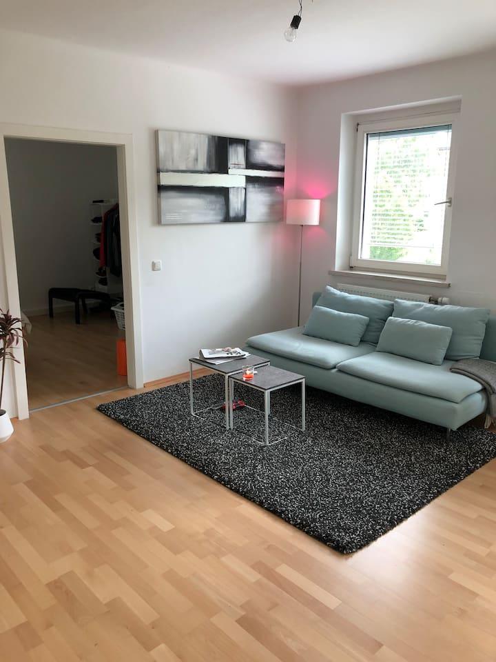 Wohnzimmer   Schlafmöglichkeit