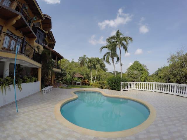 Casa de campo con piscina - Turbaco - Rumah
