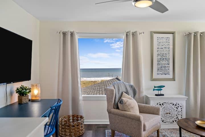 """""""Candlewood Sands"""" cottage suites #1"""