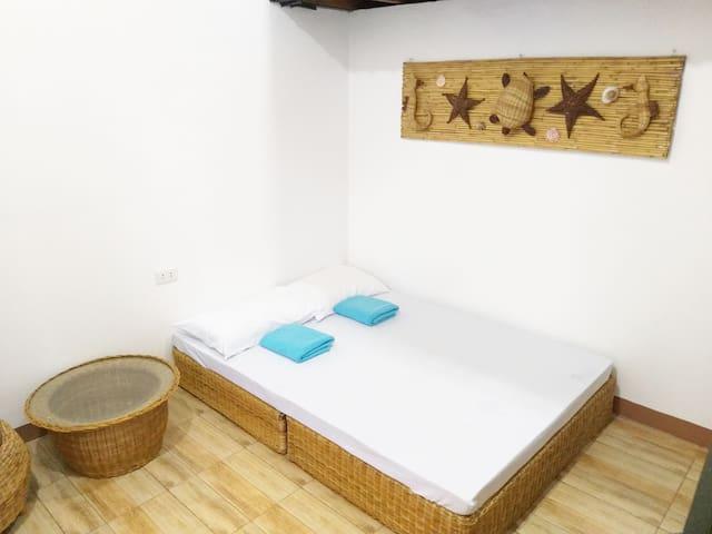 (Balai 5) ZamBalai Guesthouse - Cozy beach house