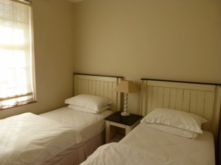 Single bed  room 1