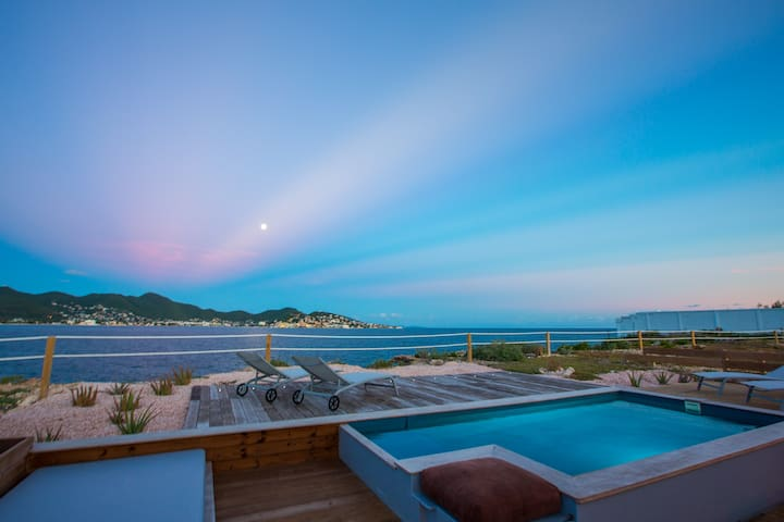 Ocean front villa with private pool, close to Maho - Simpson Bay - Hus