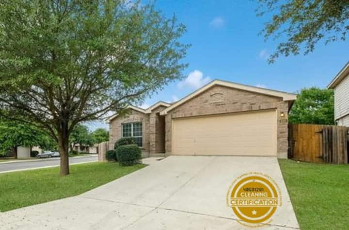 Freedom House - 3 br near Lackland AFB & Sea World