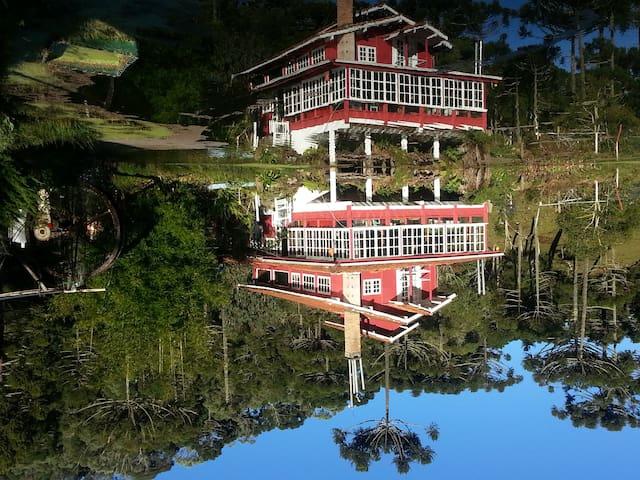 CASA DE CAMPO 1, bela casa segura para isolamento.