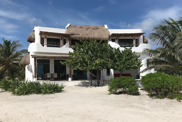 Spacious Luxury 4 Bedroom Home on Private Beach