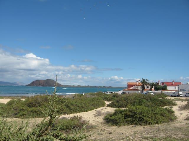 Villa de charme à même la plage et piscine privée