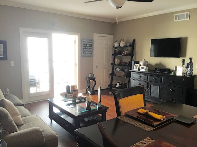 Peaceful MIDTOWN Condo w/ FREE Parking
