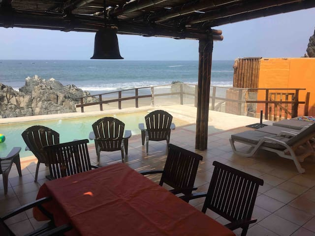 Asia Bujama Beach front house for couples