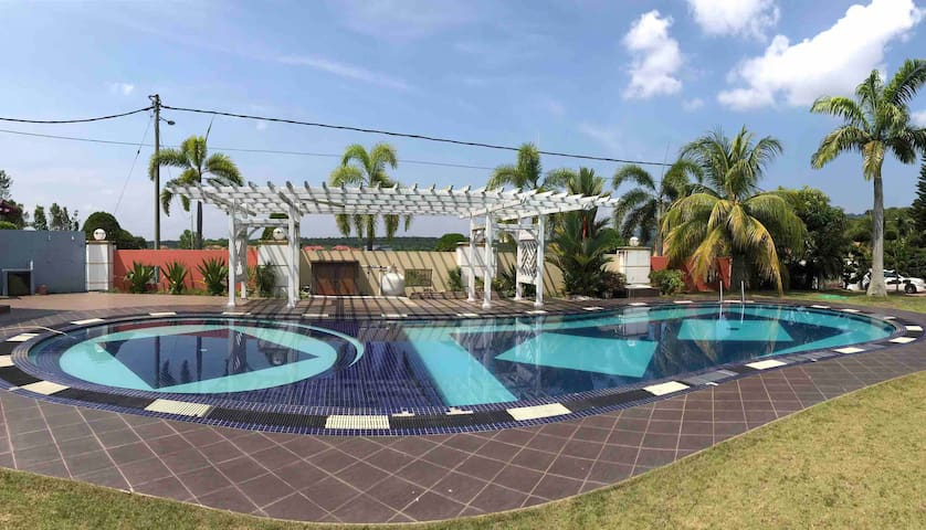 (5Bedroom) 1001NightGarden GH Tangkak+SwimmingPool