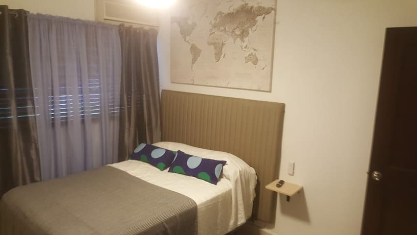 Exclusivo  zona hotelera cómodo bonito económico.