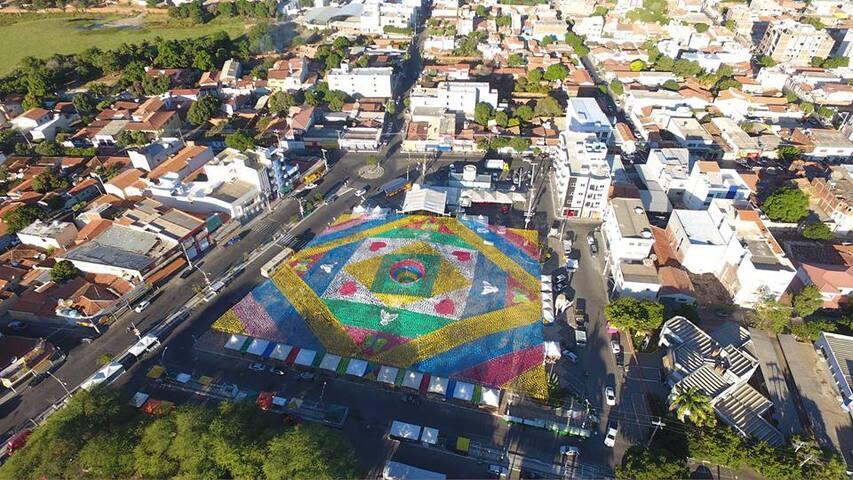 Quarto bem localizado no centro de Guanambi