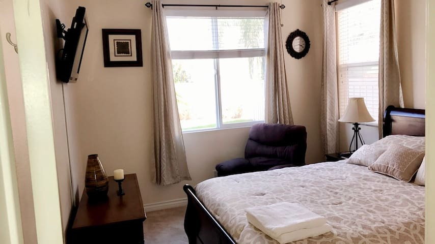 Private Clean room in Eastvale!