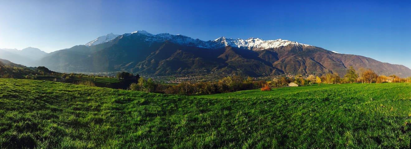 Casa nel verde della montagna