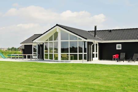 Luxueuse maison de vacances à Sydals avec sauna