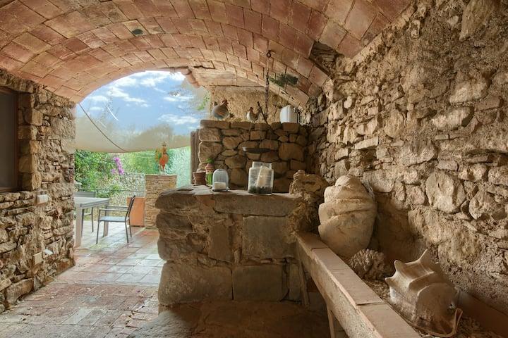 ULLASTRET Casa de piedra con jardín y piscina 6PAX