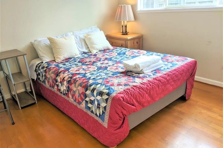 C-Cozy queen size pvt room/quiet&safe freeparking