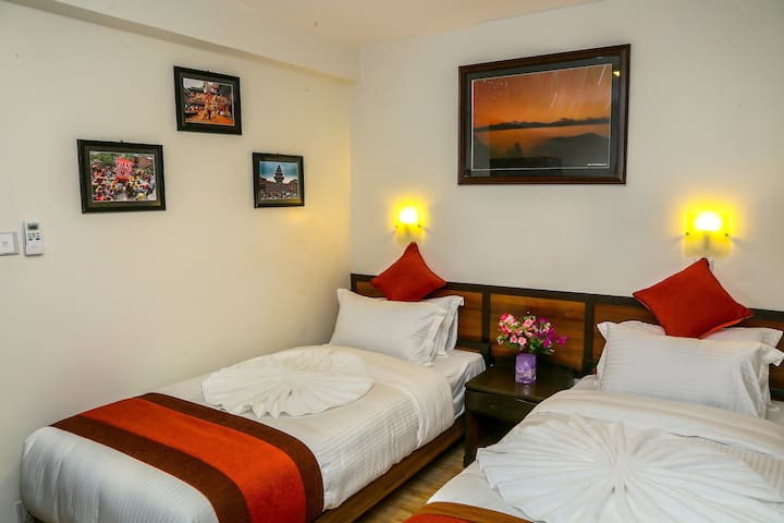 Hotel Himalayan Oasis Single Private B&B Plan - Kathmandu - Bed & Breakfast