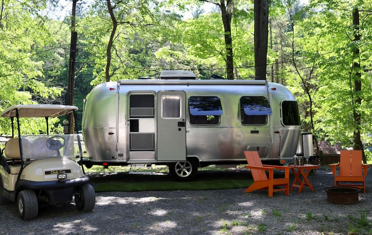 Hudson Valley Glamping Airstream Experience + POOL