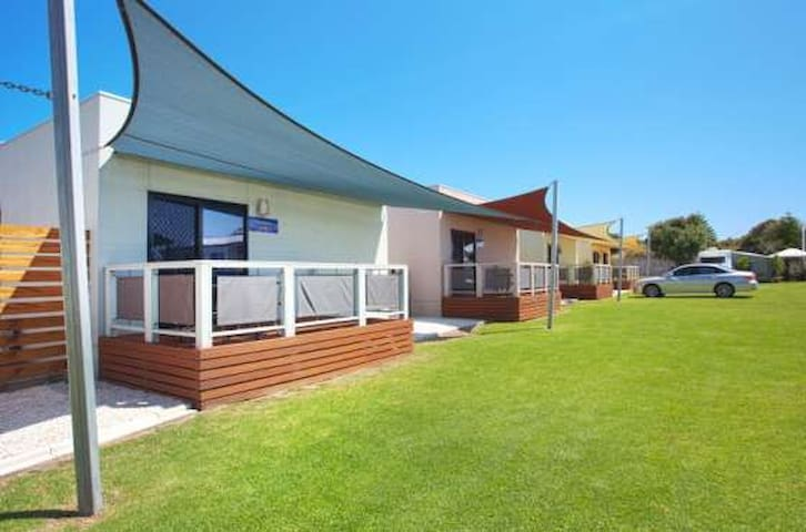 Discovery Parks Adelaide 3 Bedroom Beach Cabin
